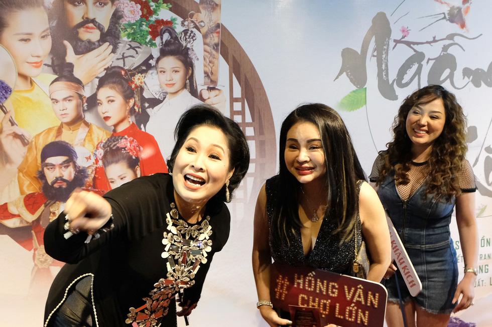 Minh Luân đầu tư vào sân khấu kịch Hồng Vân - Chợ Lớn - Ảnh 9.