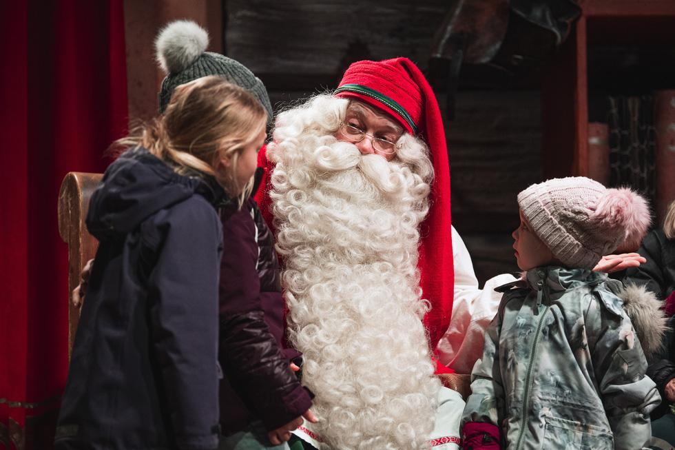 Có gì ở quê hương của ông già Noel? - Ảnh 1.