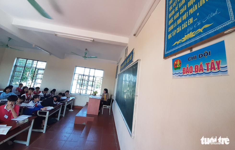 16 lớp học đặt tên theo các đảo ở Trường Sa, Hoàng Sa - Ảnh 8.