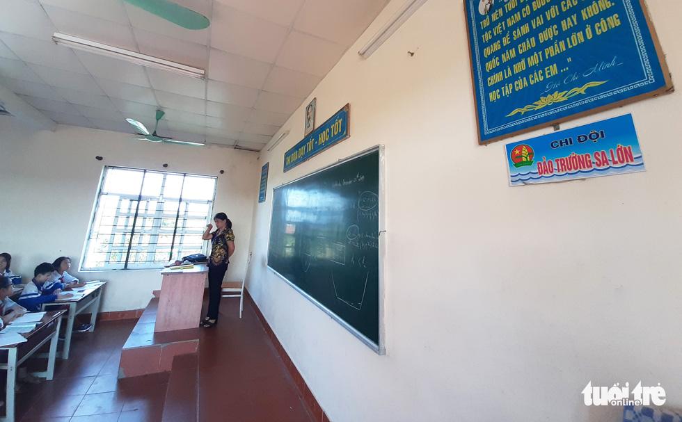 16 lớp học đặt tên theo các đảo ở Trường Sa, Hoàng Sa - Ảnh 7.