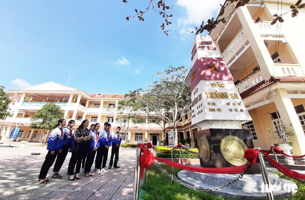 16 lớp học đặt tên theo các đảo ở Trường Sa, Hoàng Sa - Ảnh 11.