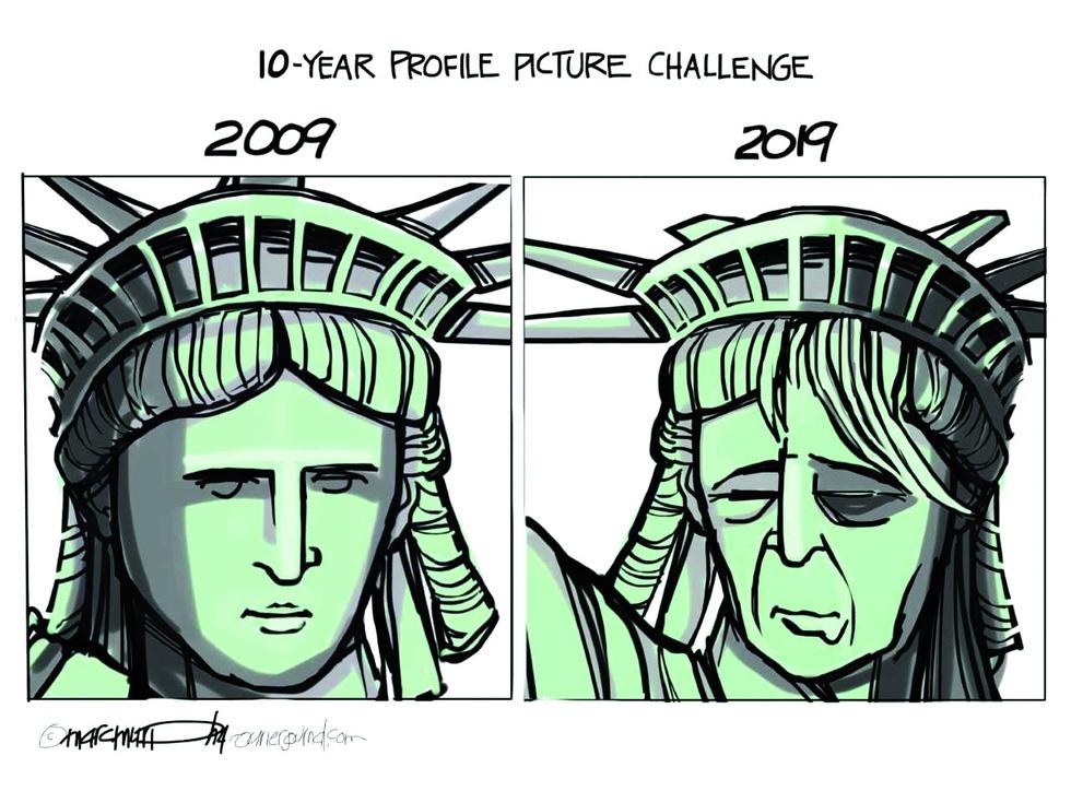 Nhìn lại một năm vui buồn thế giới qua biếm họa - Ảnh 4.