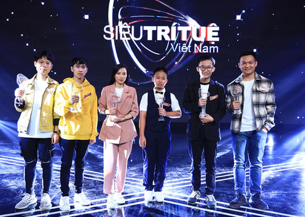 Việt Hoàng bất ngờ được chọn vào đội siêu trí tuệ Việt Nam thi đấu quốc tế - Ảnh 1.