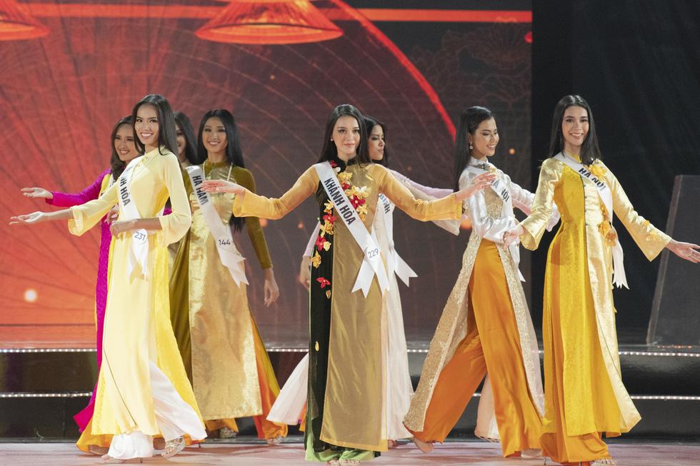 45 thí sinh Hoa hậu Hoàn vũ Việt Nam 2019 nóng bỏng trình diễn bikini - Ảnh 7.