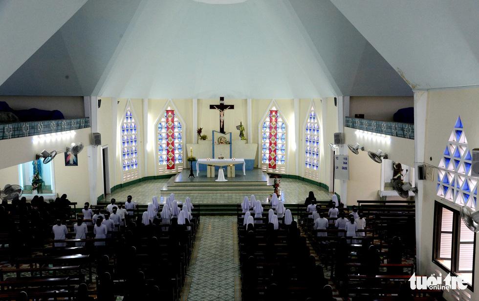 Ngắm hai công trình Công giáo cổ ở Thủ Thiêm vừa được công nhận di tích - Ảnh 20.