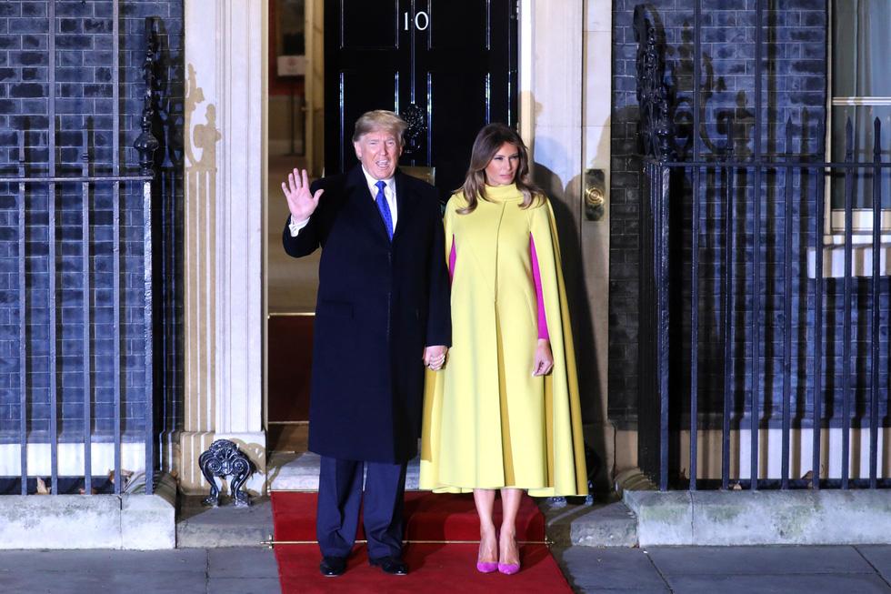 Các lãnh đạo NATO diện kiến nữ hoàng Elizabeth tại điện Buckingham - Ảnh 3.