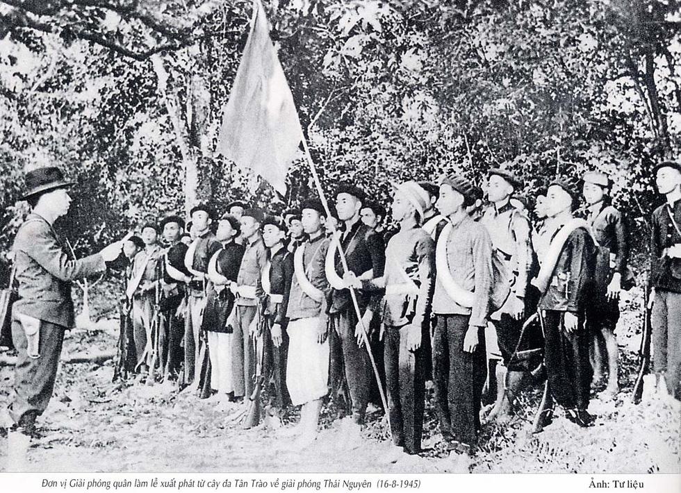 Chùm ảnh lịch sử vĩ đại 75 năm Quân đội nhân dân Việt Nam - Ảnh 1.