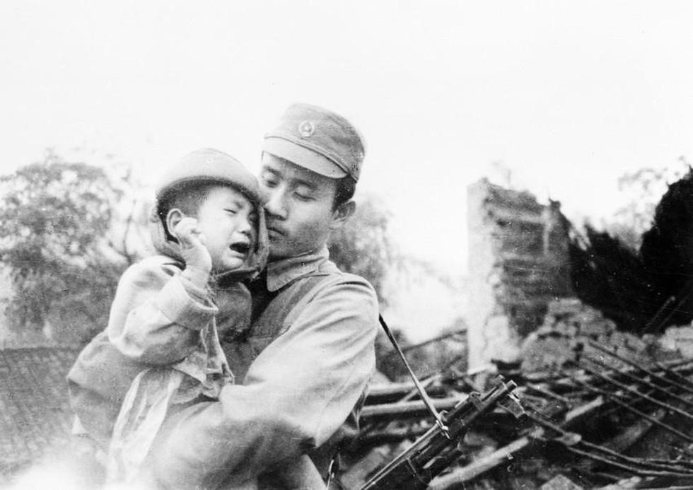 Chùm ảnh lịch sử vĩ đại 75 năm Quân đội nhân dân Việt Nam - Ảnh 10.