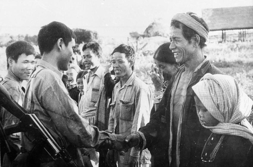Chùm ảnh lịch sử vĩ đại 75 năm Quân đội nhân dân Việt Nam - Ảnh 11.