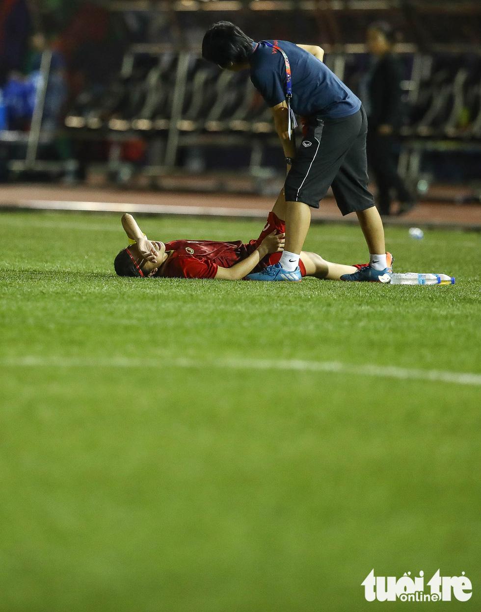 Hồi sức cho các tuyển thủ nữ Việt Nam sau trận thắng Philippines - Ảnh 6.