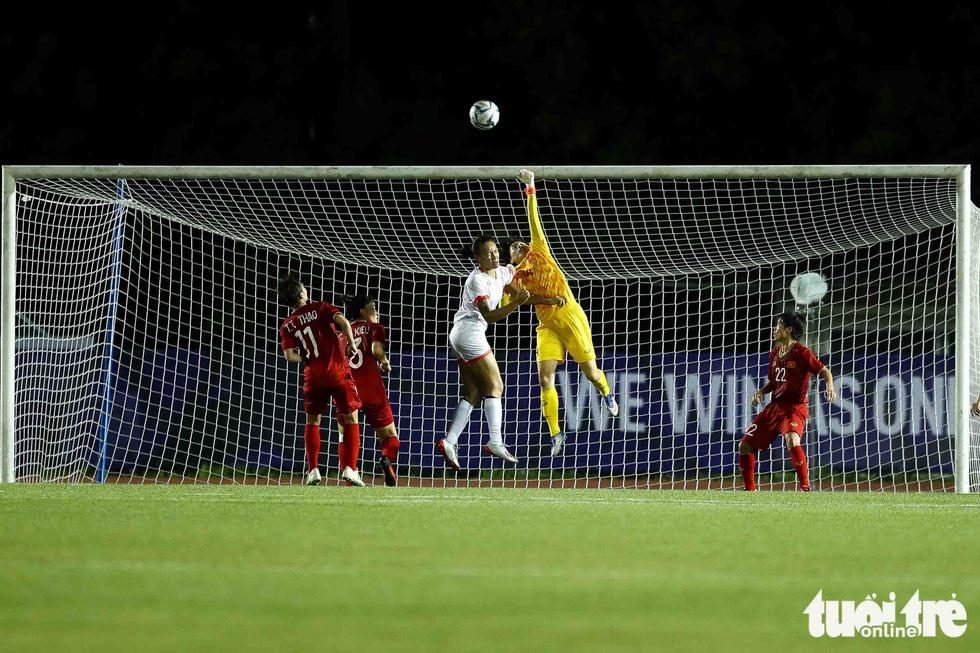 Trận đấu quả cảm của các nữ tuyển thủ Việt Nam - Ảnh 3.