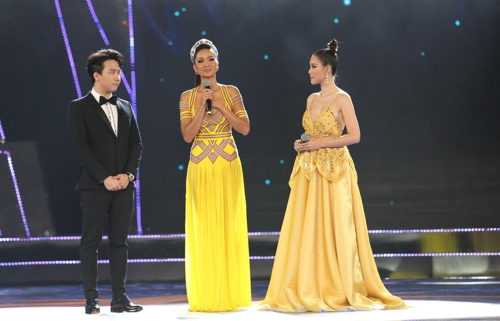 Hoa hậu Hoàn vũ Việt Nam 2019 gọi tên cô gái TP.HCM Nguyễn Trần Khánh Vân - Ảnh 10.