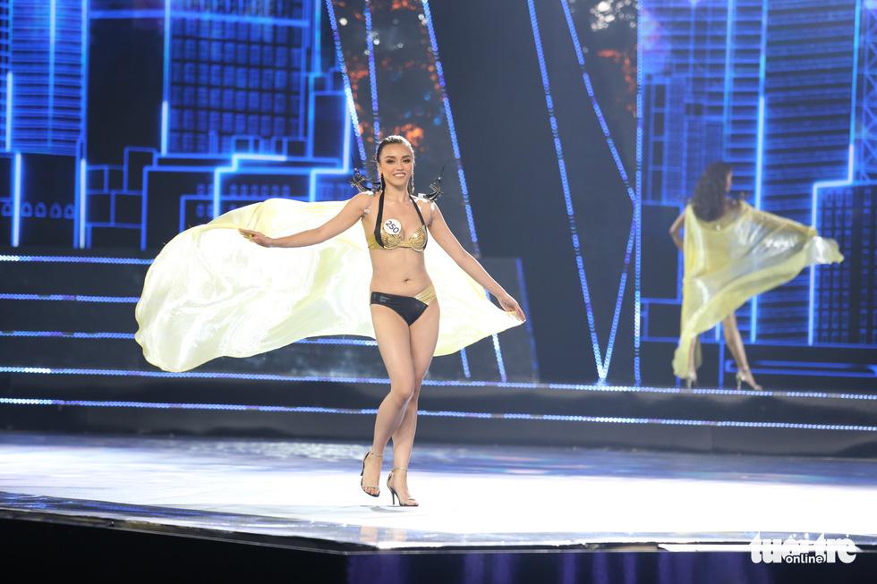 Trình diễn bikini của Top 15 Hoa hậu Hoàn vũ Việt Nam 2019 - Ảnh 10.