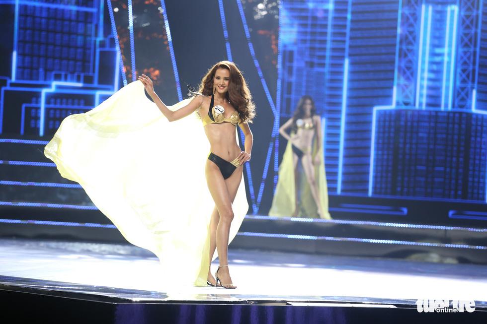 Trình diễn bikini của Top 15 Hoa hậu Hoàn vũ Việt Nam 2019 - Ảnh 9.