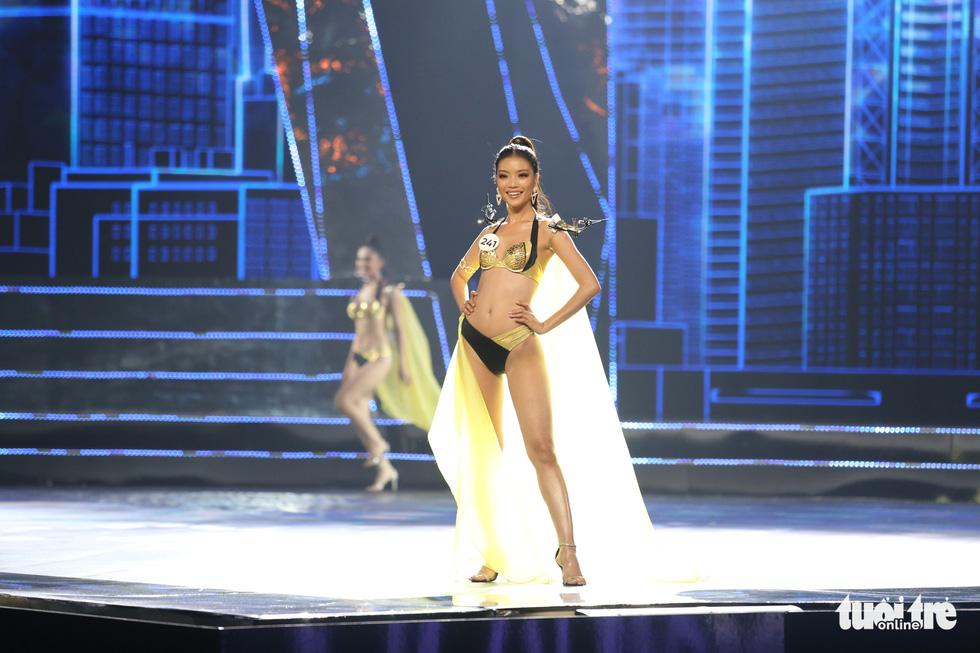 Trình diễn bikini của Top 15 Hoa hậu Hoàn vũ Việt Nam 2019 - Ảnh 4.