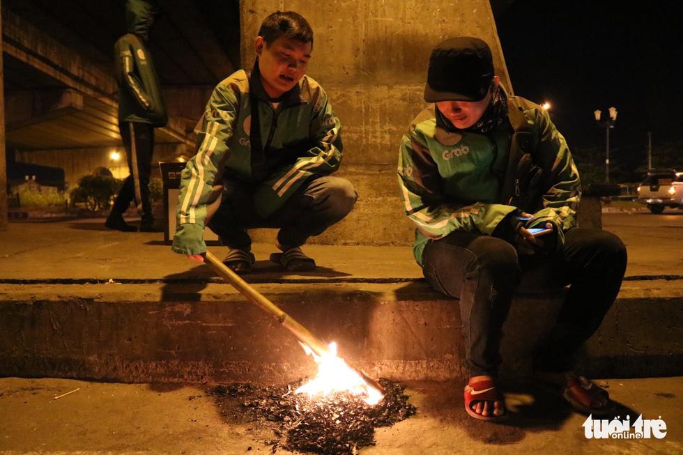 Mưu sinh trong đêm lạnh Sài Gòn - Ảnh 6.