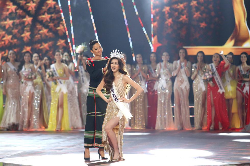 Cận cảnh nhan sắc tân Hoa hậu Hoàn vũ Việt Nam Nguyễn Trần Khánh Vân - Ảnh 14.