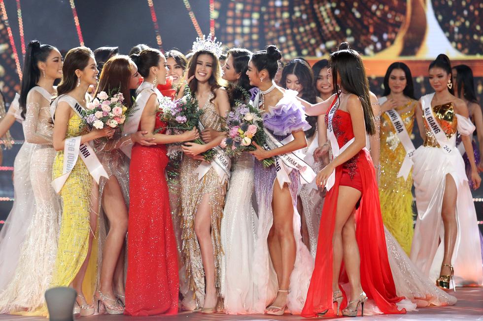 Cận cảnh nhan sắc tân Hoa hậu Hoàn vũ Việt Nam Nguyễn Trần Khánh Vân - Ảnh 16.