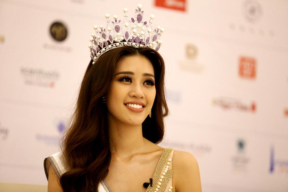 Tân Hoa hậu Khánh Vân: Tôi từng là nạn nhân bất thành của ấu dâm - Ảnh 1.