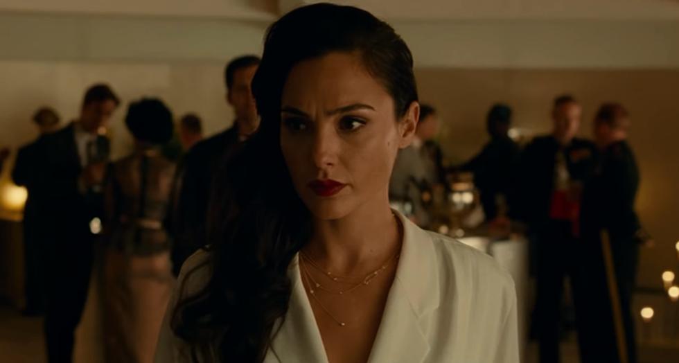 Trailer phần 2 tiết lộ người yêu của Wonder Woman còn sống? - Ảnh 5.