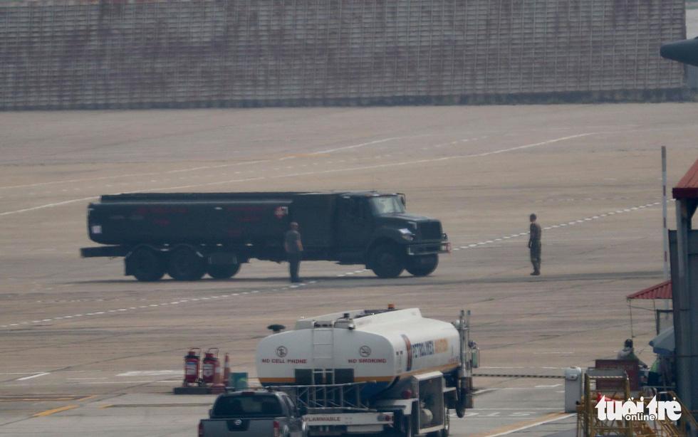 Xe Quái thú của ông Trump đến Hà Nội - Ảnh 11.