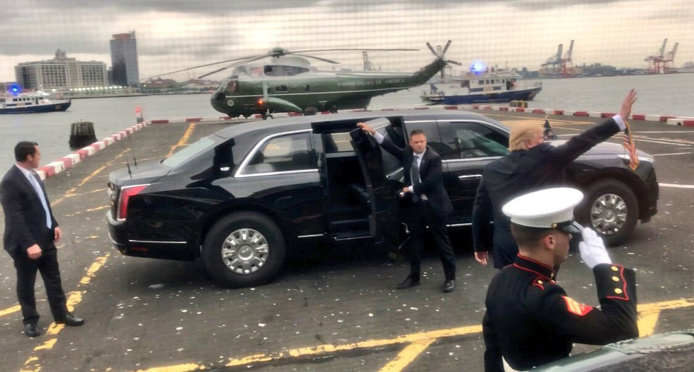 Xe Quái thú của ông Trump đến Hà Nội - Ảnh 15.