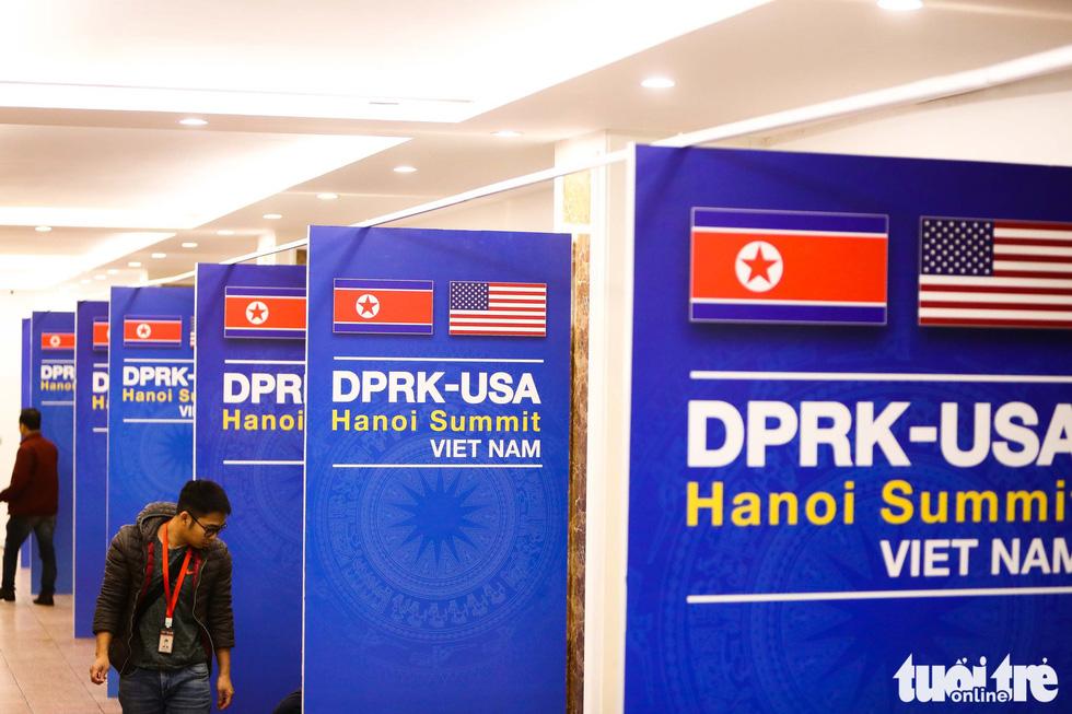 Cận cảnh nơi làm việc của 3.000 nhà báo đưa tin sự kiện Mỹ - Triều - Ảnh 5.