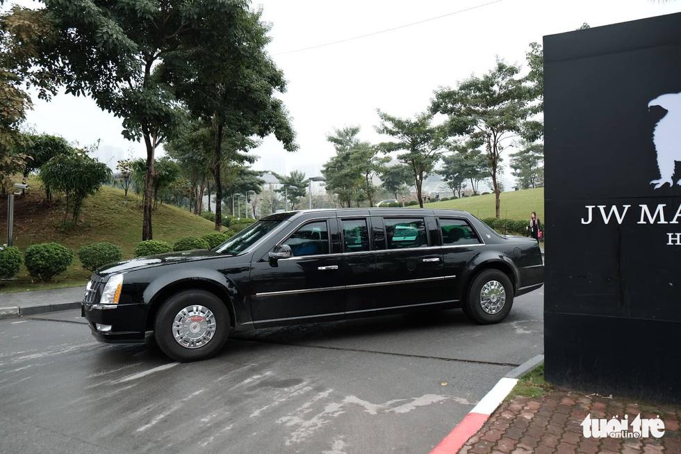 Xe Quái thú của ông Trump đến Hà Nội - Ảnh 8.