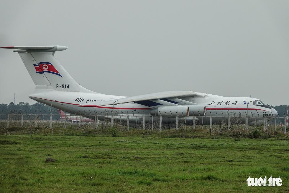 Cận cảnh ngựa thồ Il-76 của phái đoàn Triều Tiên - Ảnh 1.