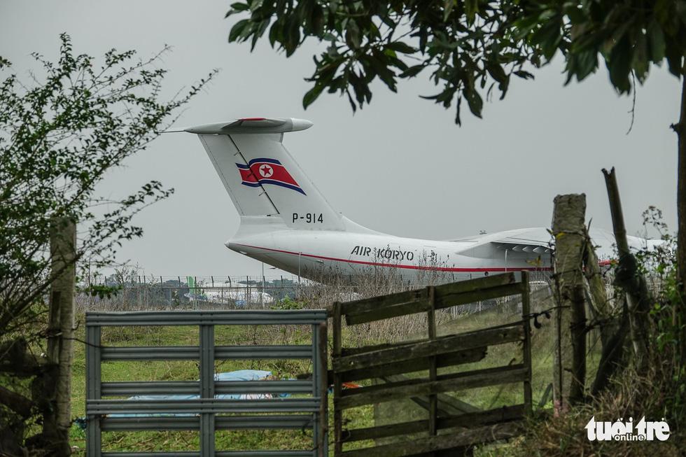 Cận cảnh ngựa thồ Il-76 của phái đoàn Triều Tiên - Ảnh 7.