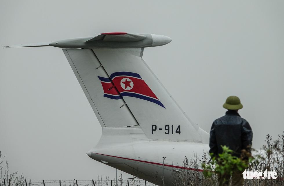 Cận cảnh ngựa thồ Il-76 của phái đoàn Triều Tiên - Ảnh 6.