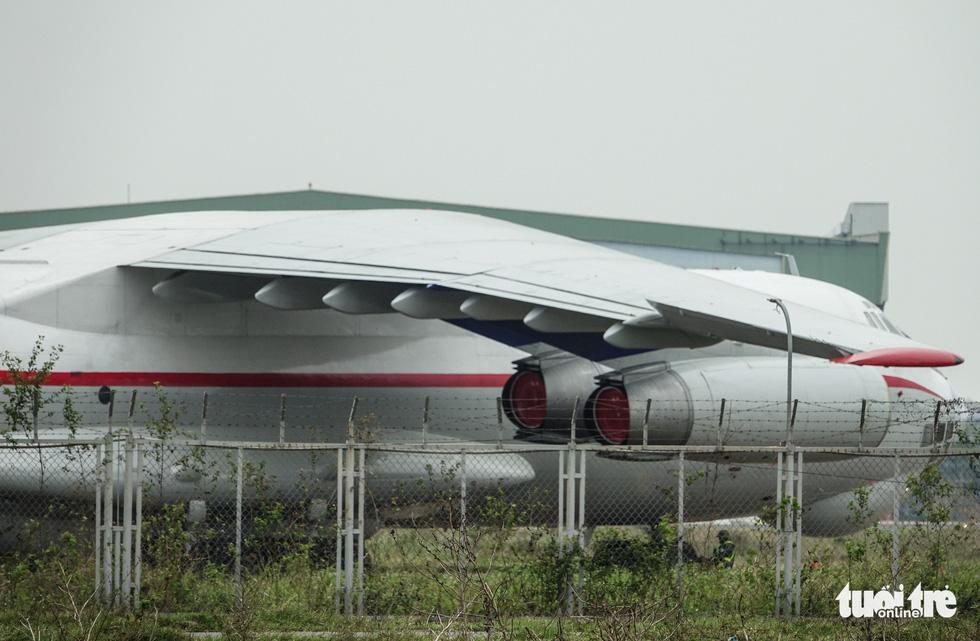 Cận cảnh ngựa thồ Il-76 của phái đoàn Triều Tiên - Ảnh 3.