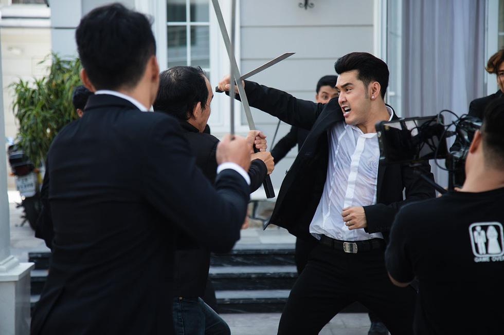 Khi gái điếm, giang hồ bỗng nhiên mà hot trên web drama - Ảnh 3.