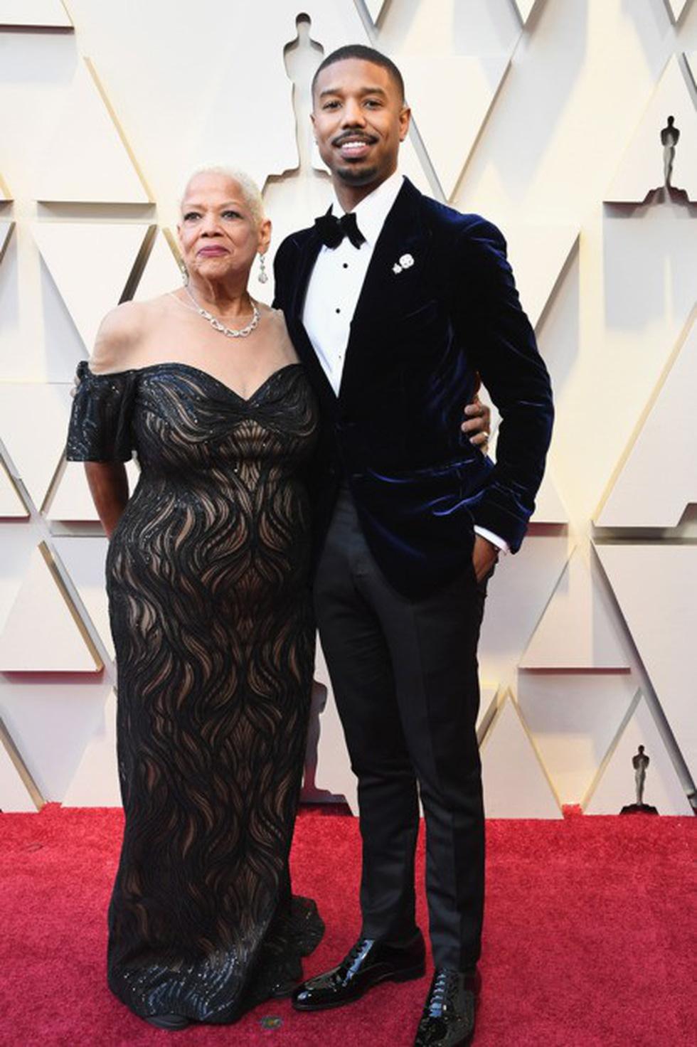 Dàn sao quậy tưng thảm đỏ Oscar 2019 như thế nào? - Ảnh 15.
