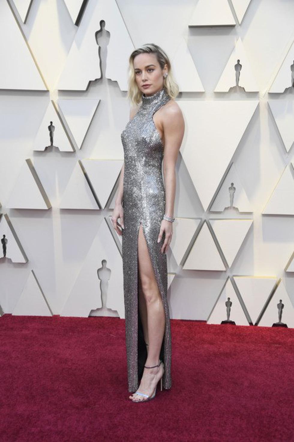 Dàn sao quậy tưng thảm đỏ Oscar 2019 như thế nào? - Ảnh 16.