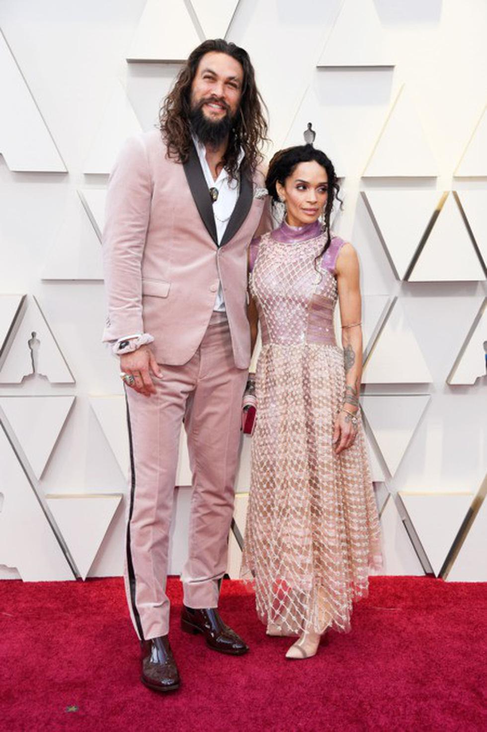 Dàn sao quậy tưng thảm đỏ Oscar 2019 như thế nào? - Ảnh 17.