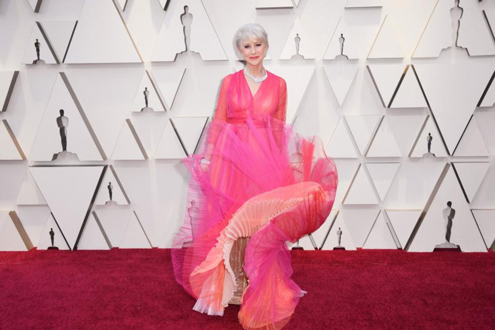 Dàn sao quậy tưng thảm đỏ Oscar 2019 như thế nào? - Ảnh 1.