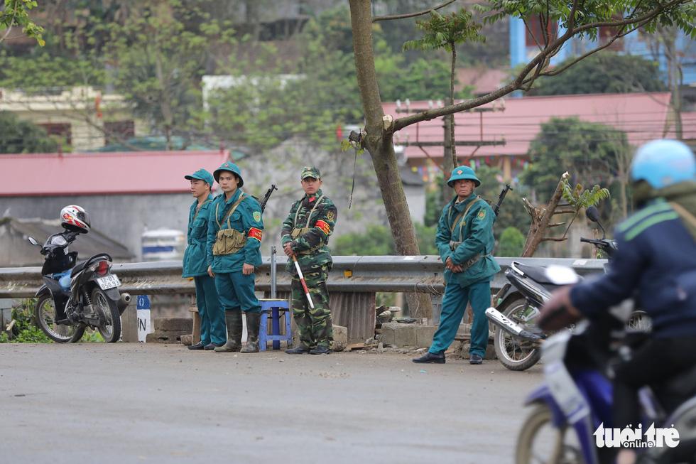 Chó nghiệp vụ, kiểm soát quân sự phong tỏa ga Đồng Đăng - Ảnh 9.