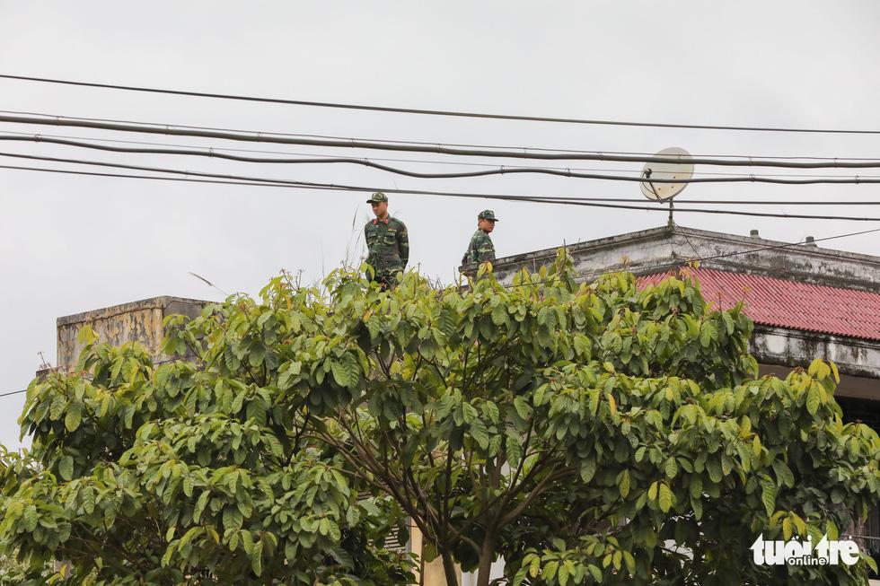Chó nghiệp vụ, kiểm soát quân sự phong tỏa ga Đồng Đăng - Ảnh 5.