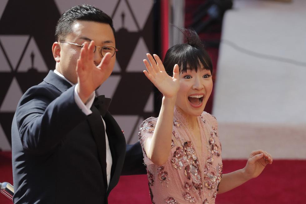 Lộng lẫy dàn sao Hollywood đổ về thảm đỏ Oscar lần thứ 91 - Ảnh 5.