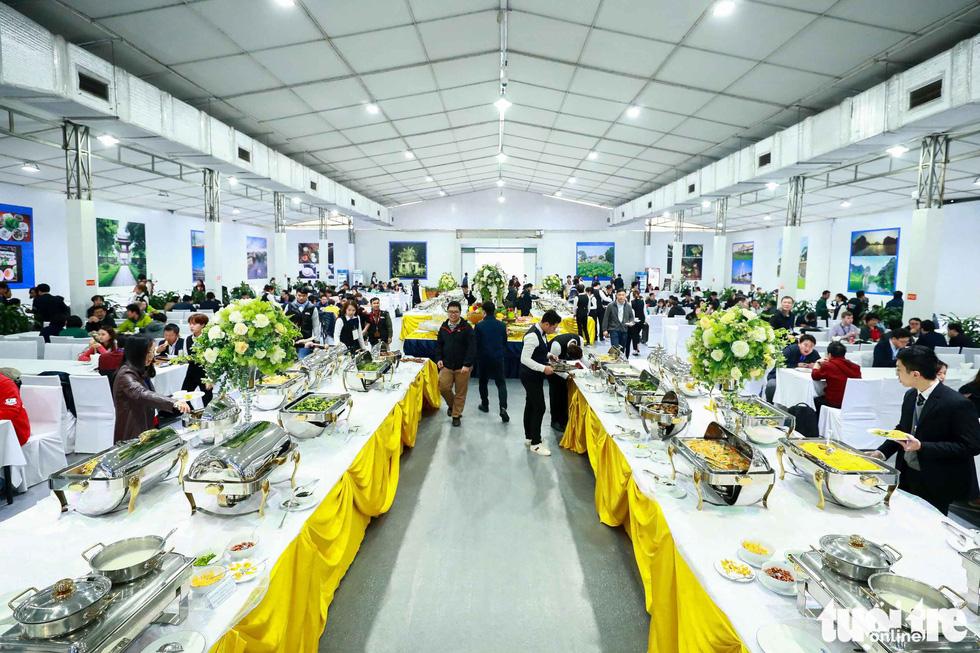 Việt Nam mở đại yến 40 món đãi 3.500 nhà báo  - Ảnh 11.