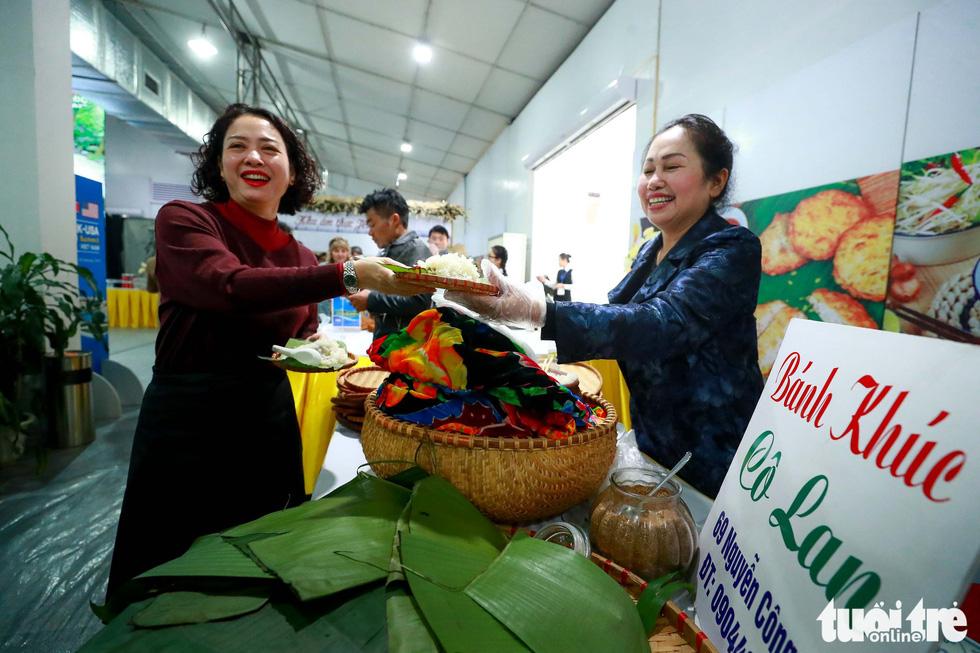 Việt Nam mở đại yến 40 món đãi 3.500 nhà báo  - Ảnh 10.