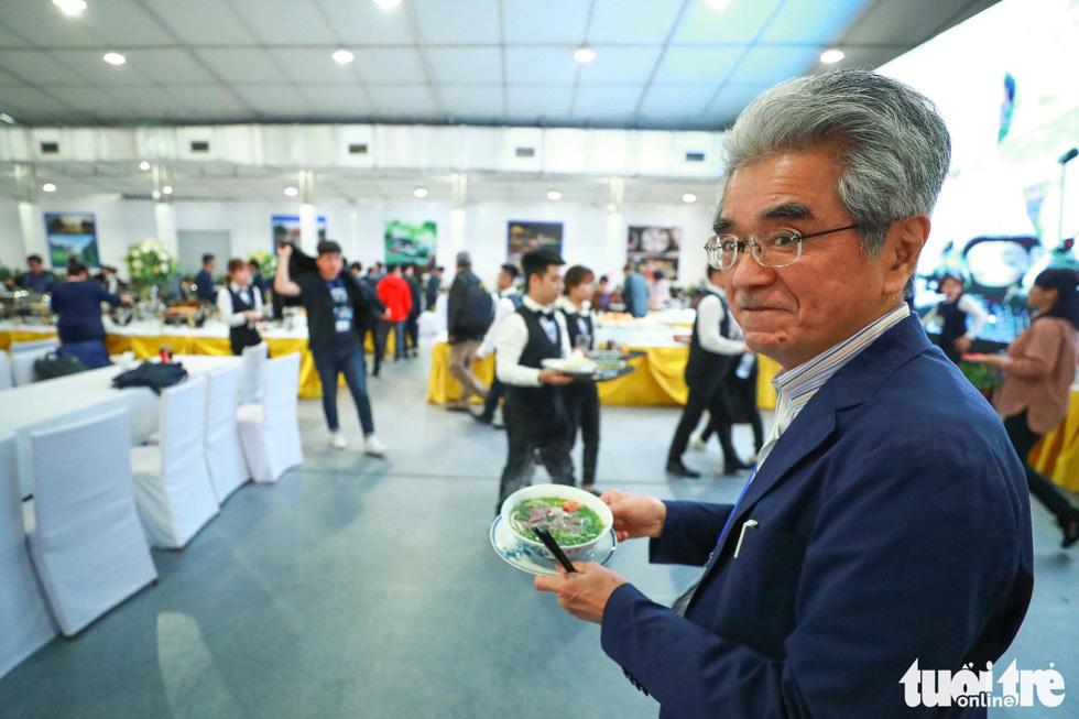Việt Nam mở đại yến 40 món đãi 3.500 nhà báo  - Ảnh 9.