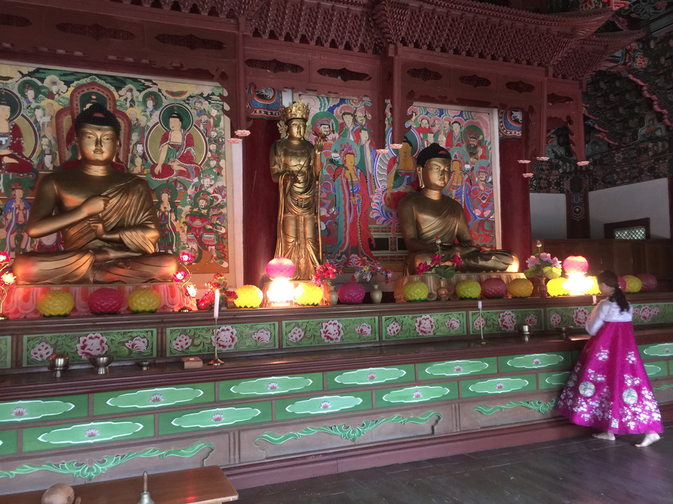 Phóng viên Tuổi Trẻ vãn cảnh chùa cổ ngàn năm ở Triều Tiên - Ảnh 5.