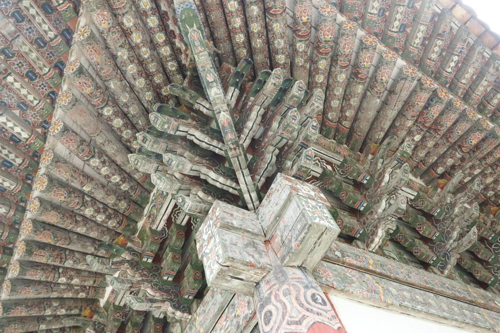 Phóng viên Tuổi Trẻ vãn cảnh chùa cổ ngàn năm ở Triều Tiên - Ảnh 8.