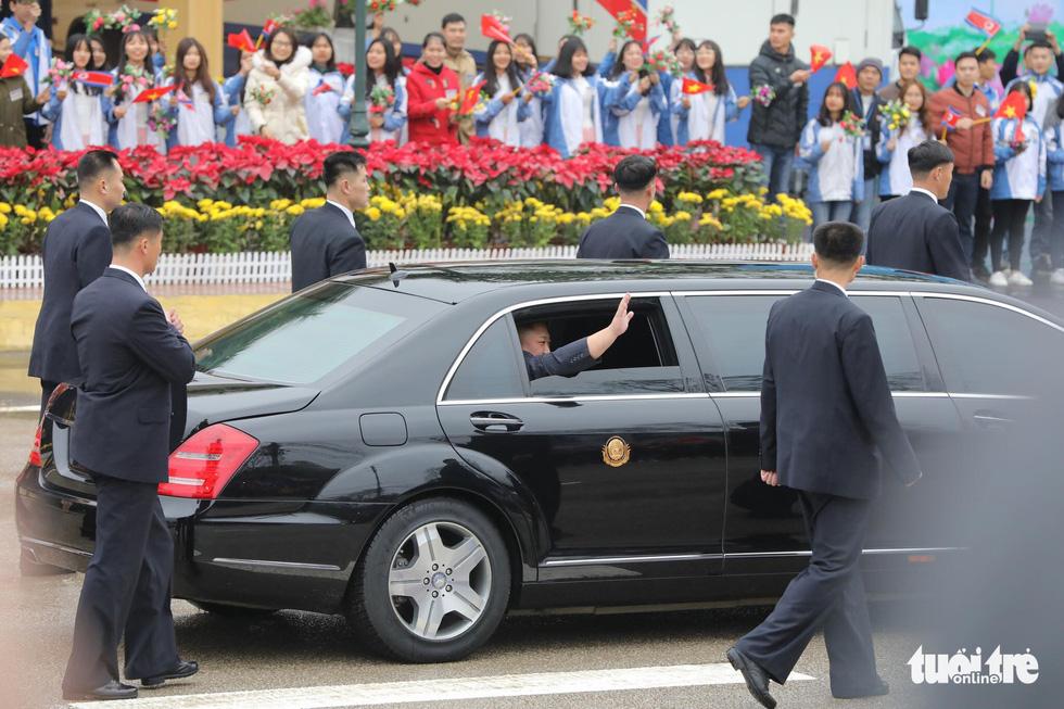 Chủ tịch Kim Jong Un nói gì khi đặt chân đến Việt Nam? - Ảnh 5.