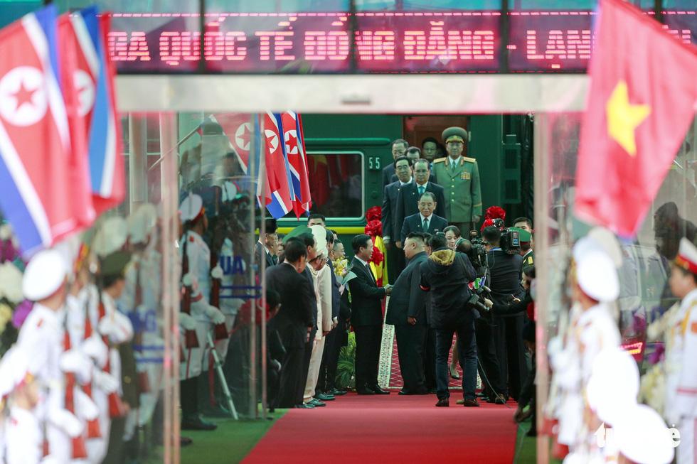 Chủ tịch Kim Jong Un nói gì khi đặt chân đến Việt Nam? - Ảnh 2.