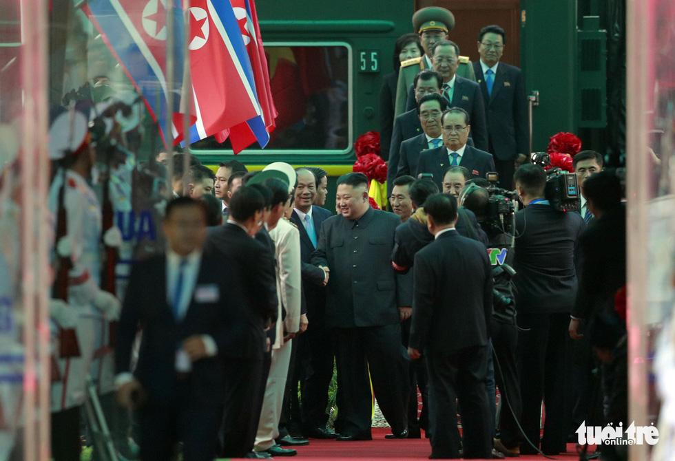 Chủ tịch Kim Jong Un nói gì khi đặt chân đến Việt Nam? - Ảnh 3.