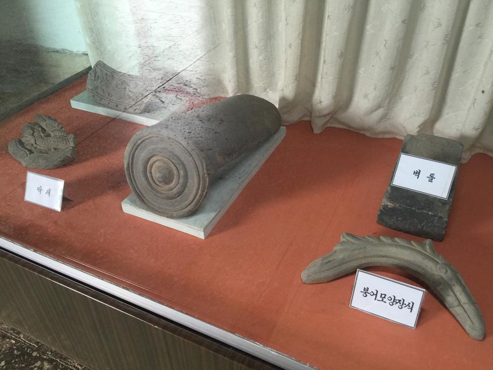 Phóng viên Tuổi Trẻ vãn cảnh chùa cổ ngàn năm ở Triều Tiên - Ảnh 3.