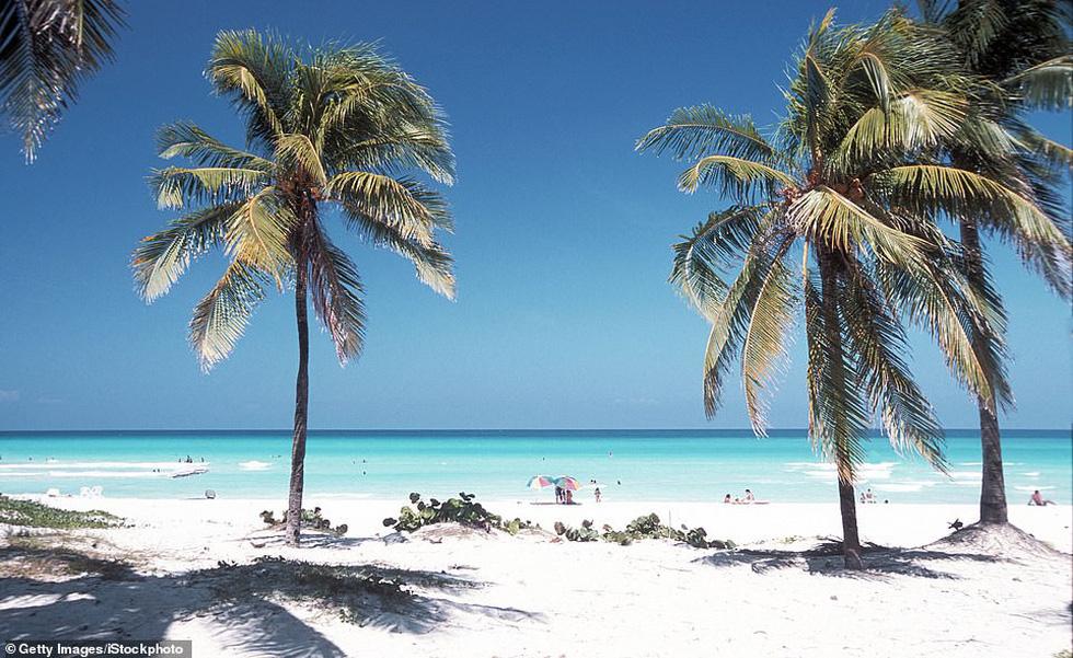 TripAdvisor bình chọn những bãi biển đẹp nhất thế giới 2019 - Ảnh 2.